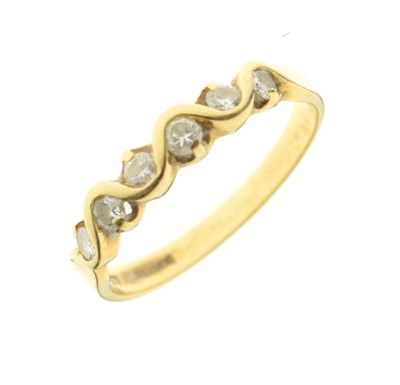 Lot 2 - 18ct gold six-stone diamond ring, 0.25cts total