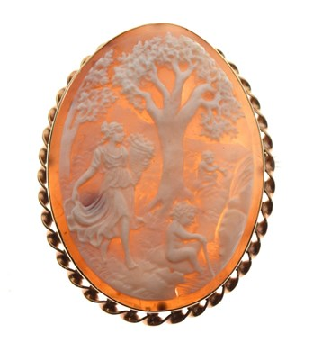 Lot 36 - 9ct gold-mounted cameo brooch