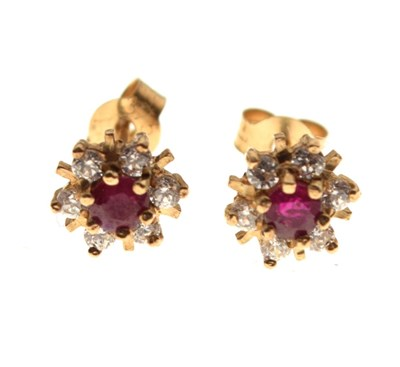Lot 32 - Pair of yellow metal cluster ear studs