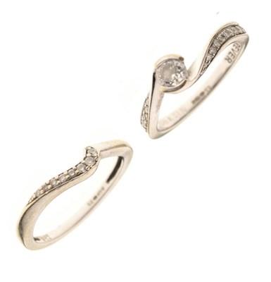 Lot 5 - 18ct white gold diamond set ring