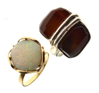 Lot 17 - '9ct' ring set large oval opal