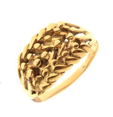 Lot 31 - 18ct gold wheatsheaf ring