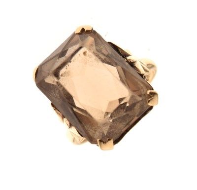 Lot 3 - 9ct gold smoky quartz ring