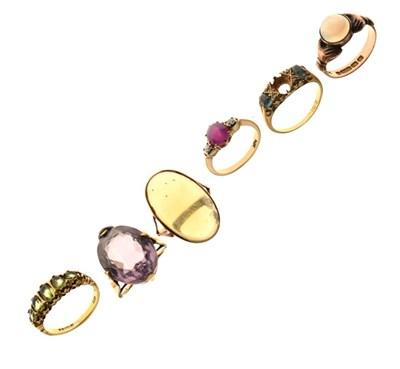 Lot 19 - Six gold dress rings