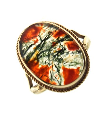 Lot 4 - 9ct gold, moss agate ring