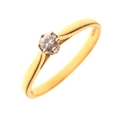 Lot 14 - 18ct gold diamond single stone ring