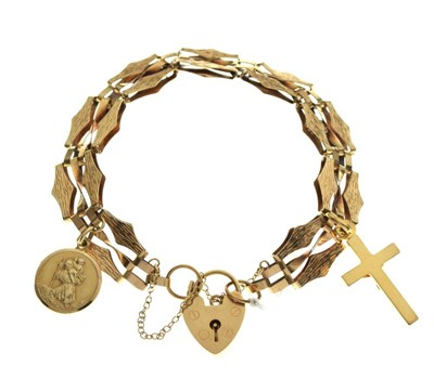 Lot 43 - 9ct gold bracelet