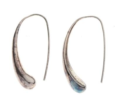 Lot 59 - Pair of sterling silver 'pod' earrings