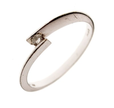 Lot 15 - 9ct white gold single stone ring