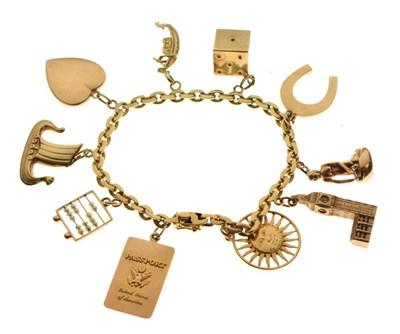 Lot 32 - Belcher link charm bracelet stamped '750'