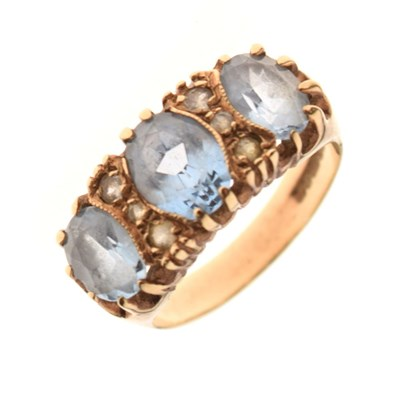 Lot 9 - 9ct gold stone-set ring