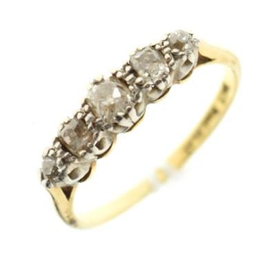 Lot 1 - Five-stone diamond ring