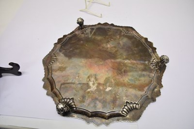 Lot Edward VII silver shaped circular salver with gadroon and shell border
