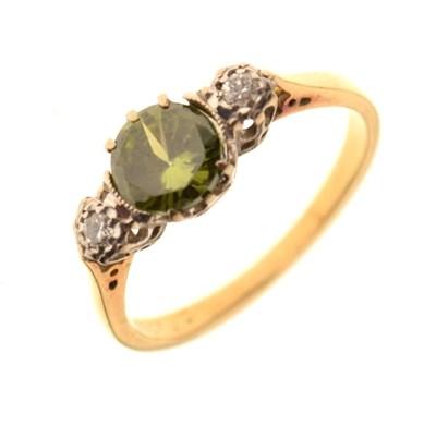 Lot 8 - Three stone dress ring