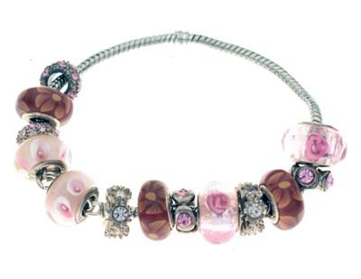 Lot 39 - Pandora-style charm bracelet