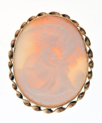 Lot 45 - Cameo brooch
