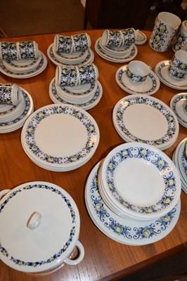 Lot 344 - Extensive Villeroy & Boch Cadiz dinner service